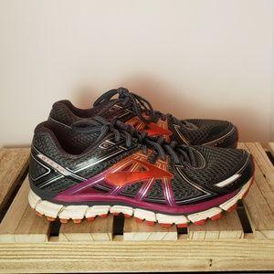 Brooks GTS-17 Shoes sz 9 medium (B)